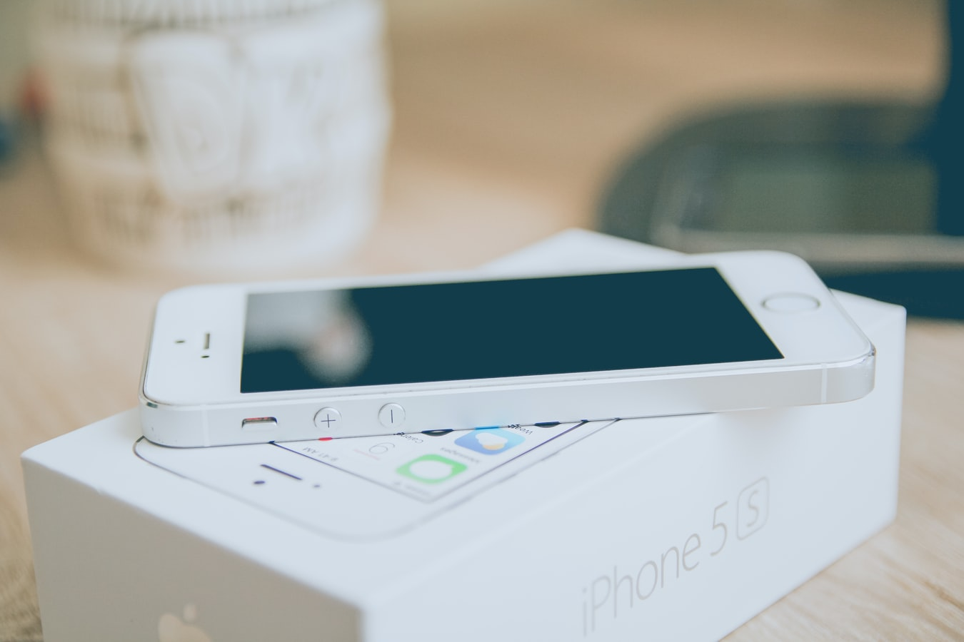 Iphone med kartong
